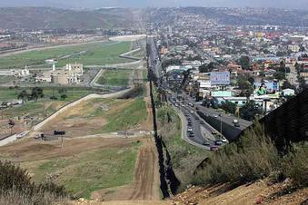 Wall US Mexico
